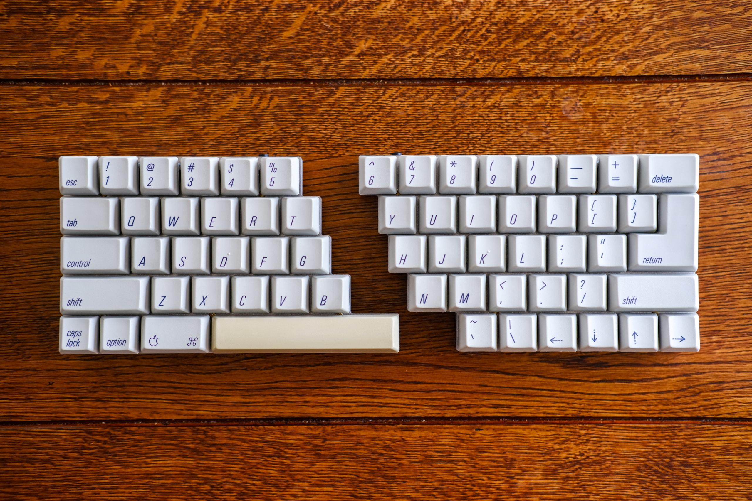 Split ASK v1 (Split 60% Apple Standard Keyboard)